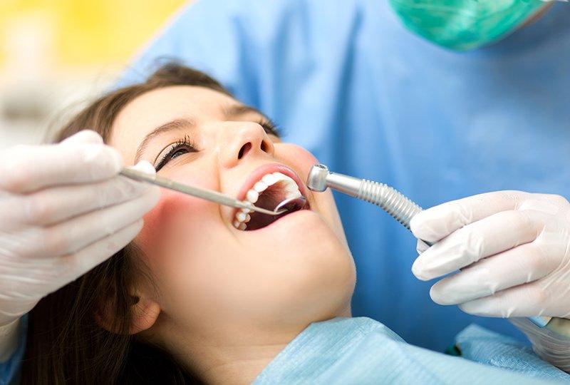 טיפול בשיניים תותבות